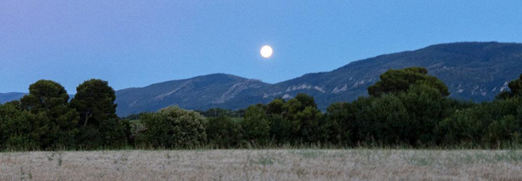 L'attribut alt de cette image est vide, son nom de fichier est Lune-sur-lAlric-2-1024x355.jpg.